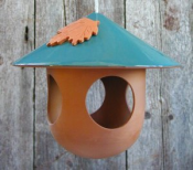 Terra Cotta China Hat Wild Bird Feeder